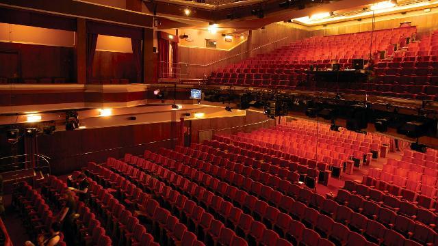 Adelphi Theatre What S On Visitlondon Com