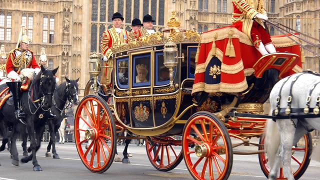 See the Queen travel in the traditional carriage procession to ...