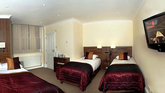 london house hotel hotel. Black Bedroom Furniture Sets. Home Design Ideas