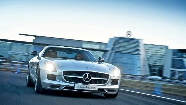 Mercedes benz world what 39 s on for Mercedes benz worldwide