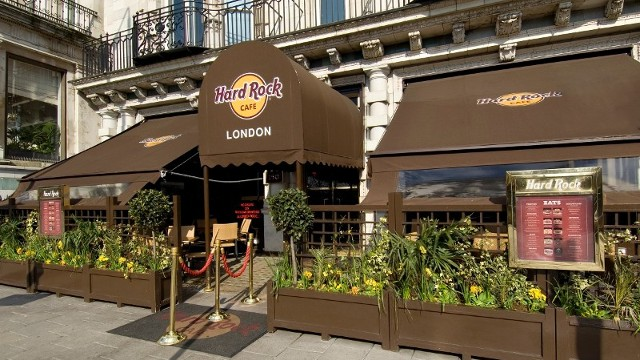 Hard rock cafe food and drink for American cuisine in london