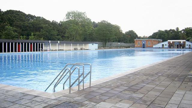 Tooting bec lido open space for Tooting broadway swimming pool