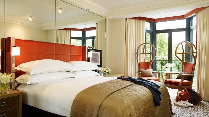 athenaeum hotel and apartments hotel. Black Bedroom Furniture Sets. Home Design Ideas