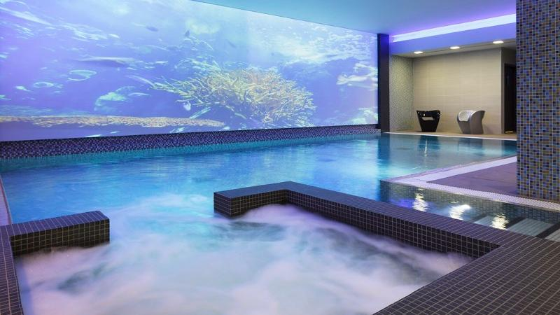 Novotel london blackfriars hotel for Swimming pool design xls