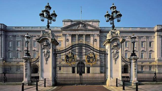 Who Cleans the Buckingham Palace
