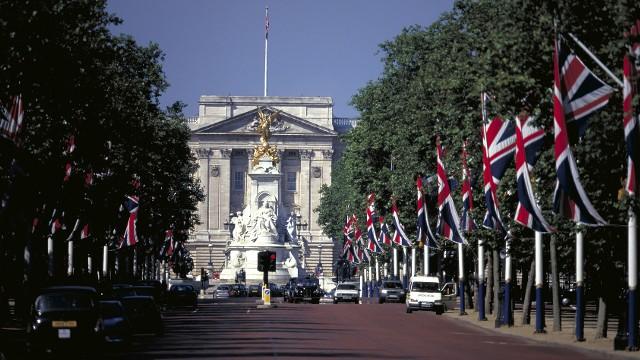 Hotels St James Square London