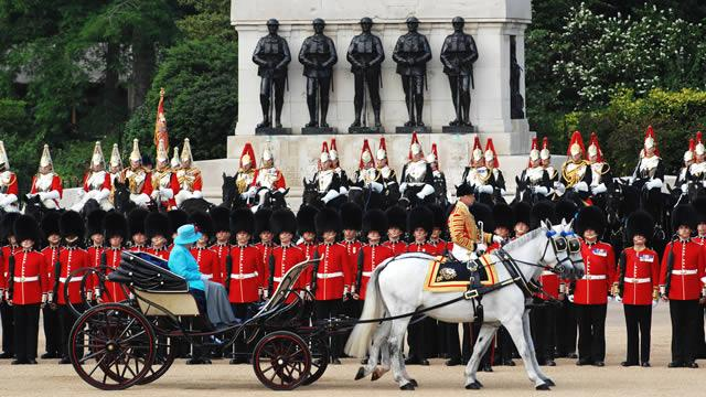 The Queen inspecting her Soldiers
