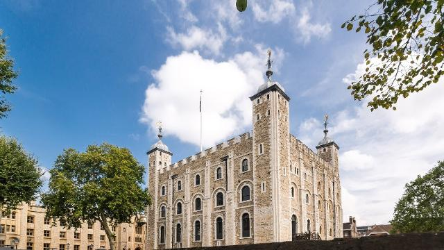 hm tower of london sightseeing