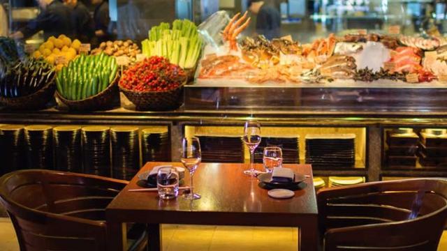 Novikov restaurant bar food and drink for Food bar 36 cafe