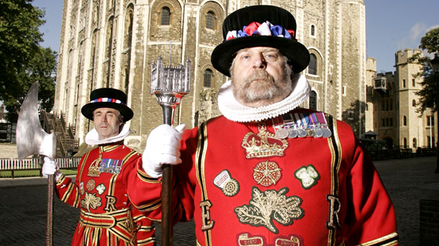 how to become a yeoman warder