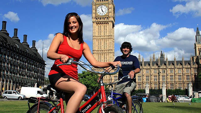 The One With Exploring London on a Bicycle