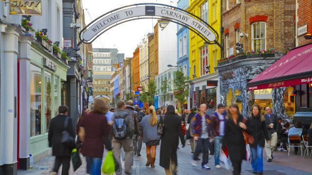 Carnaby Street - Shopping in London