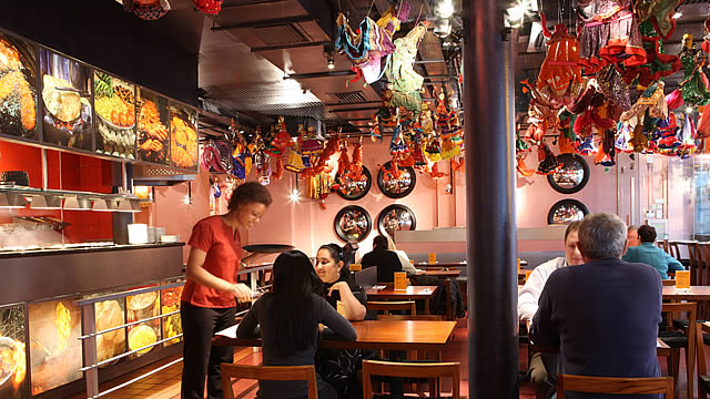 Top 10 family restaurants in london things to do for Food bar t zone