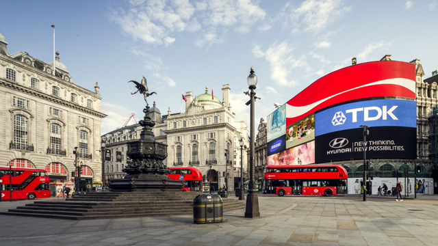 87516 640x360 piccadilly 640  Londons Top 10 Photo Spots