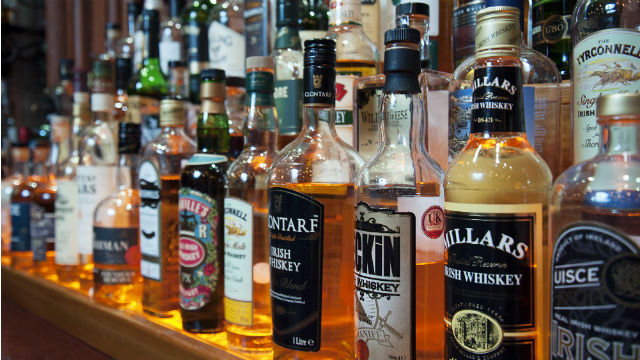 Top 10 irish pubs in london things to do for Bar food top 10