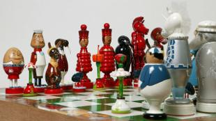 Alice in Wonderland Chess set. Photo: Victoria and Albert Museum, London