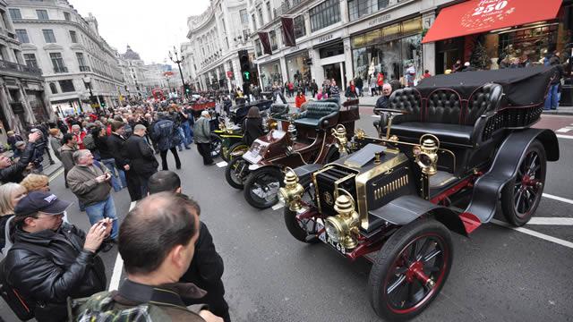 http://cdn.londonandpartners.com/visit/whats-on/special-events/regent-street-motor-show/67436-640x360-regent-street-motor-show-crowd-640.jpg