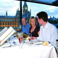 Bateaux-London-Lunch-Cruise -Premier