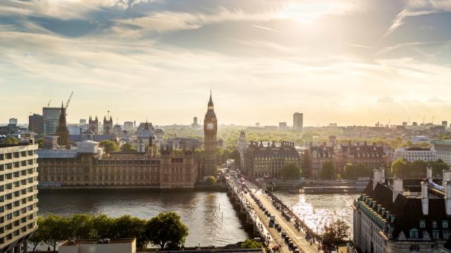 Sunrise view over Westminster Bridge