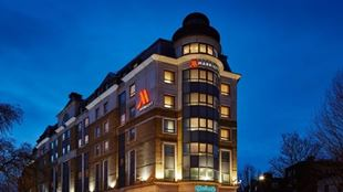 London Marriott Maida Vale hotel front at night.