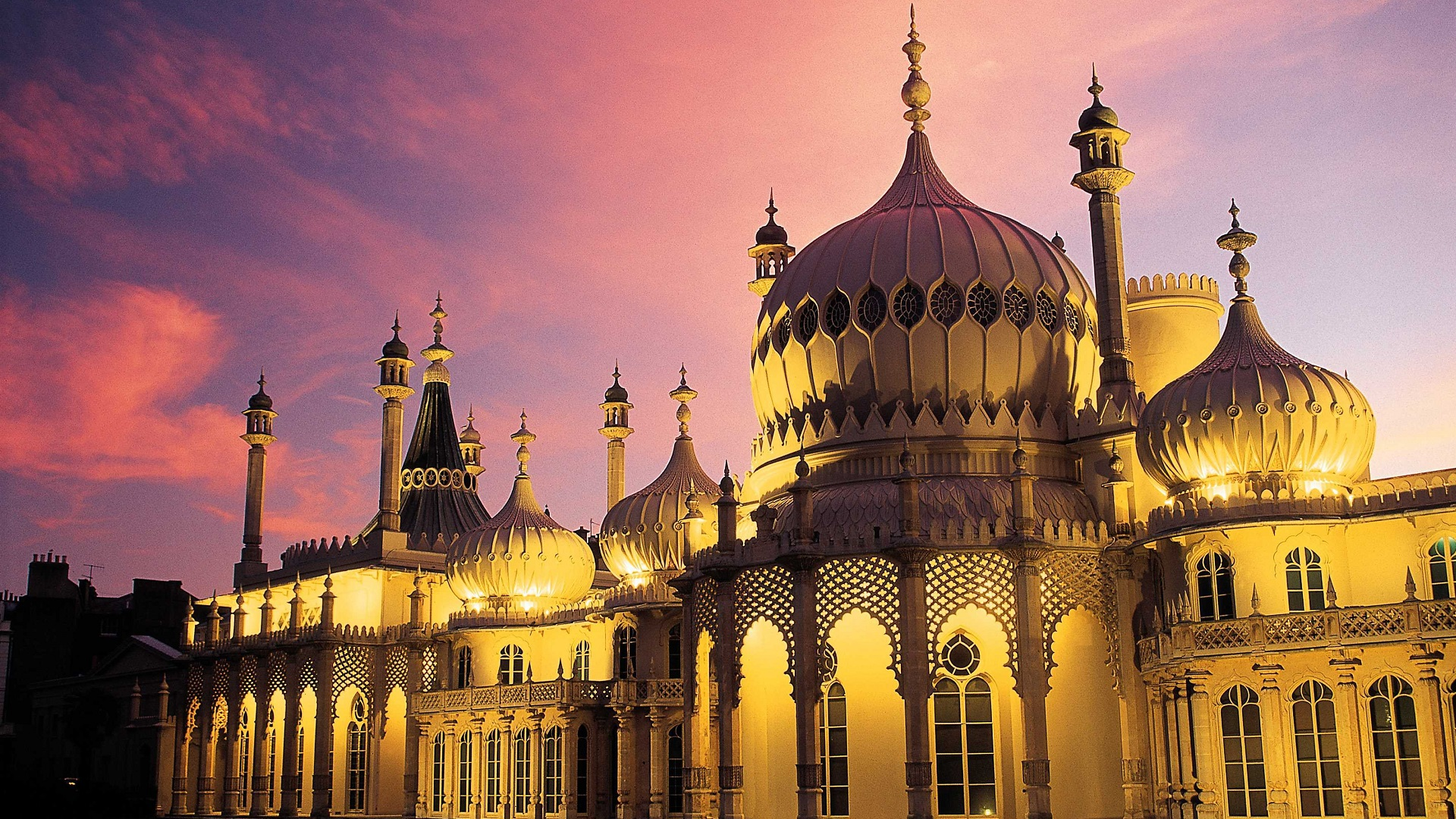 The Royal Pavilion palace in Brighton at sunset