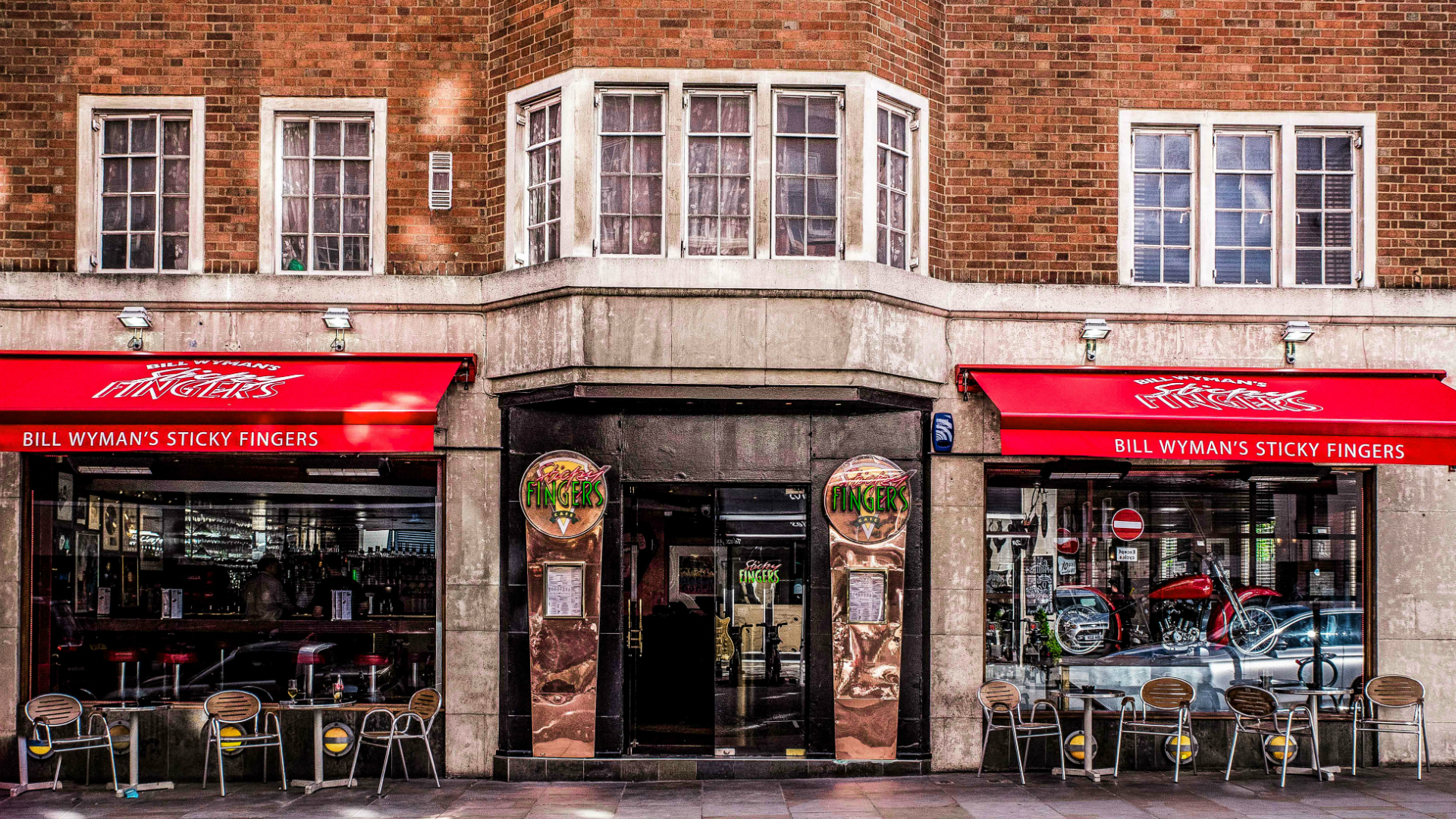 Exterior shot of Sticky Fingers restaurant in London