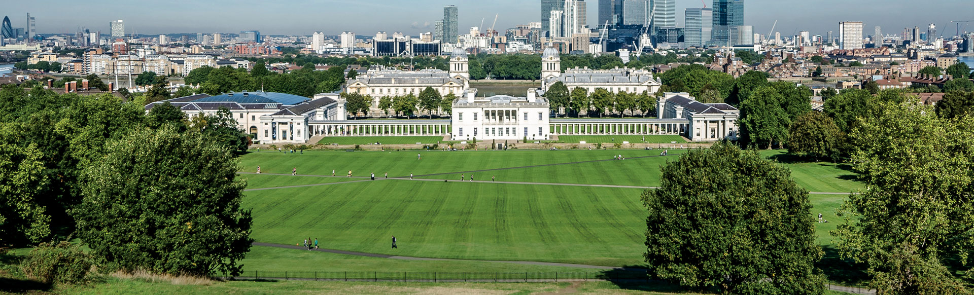 The Queen's House in Greenwich with Canary Wharf in the background