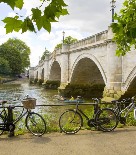 bikes by the Thames river at Richmond Bridge