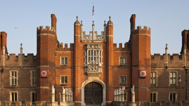 Hampton Court Palace,The Great Gatehouse, West Front