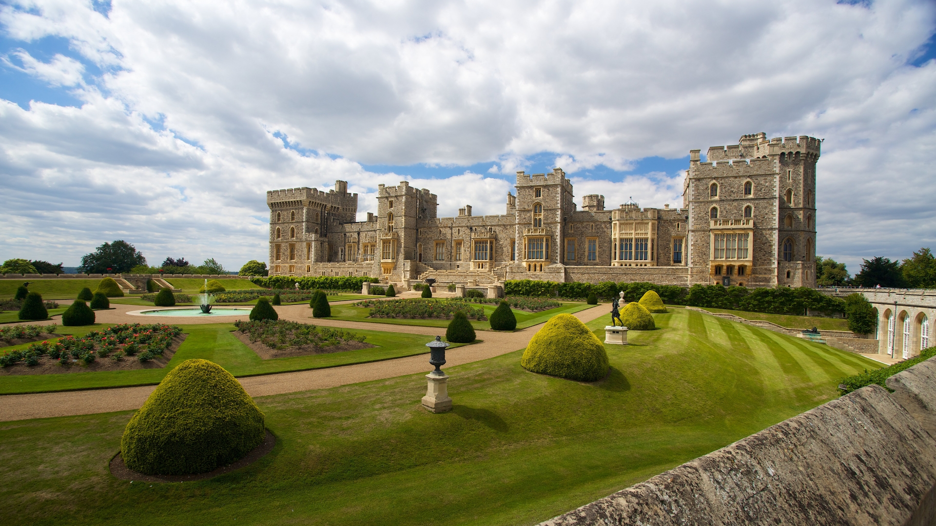 View of Windsor Castle and its manicured grounds.