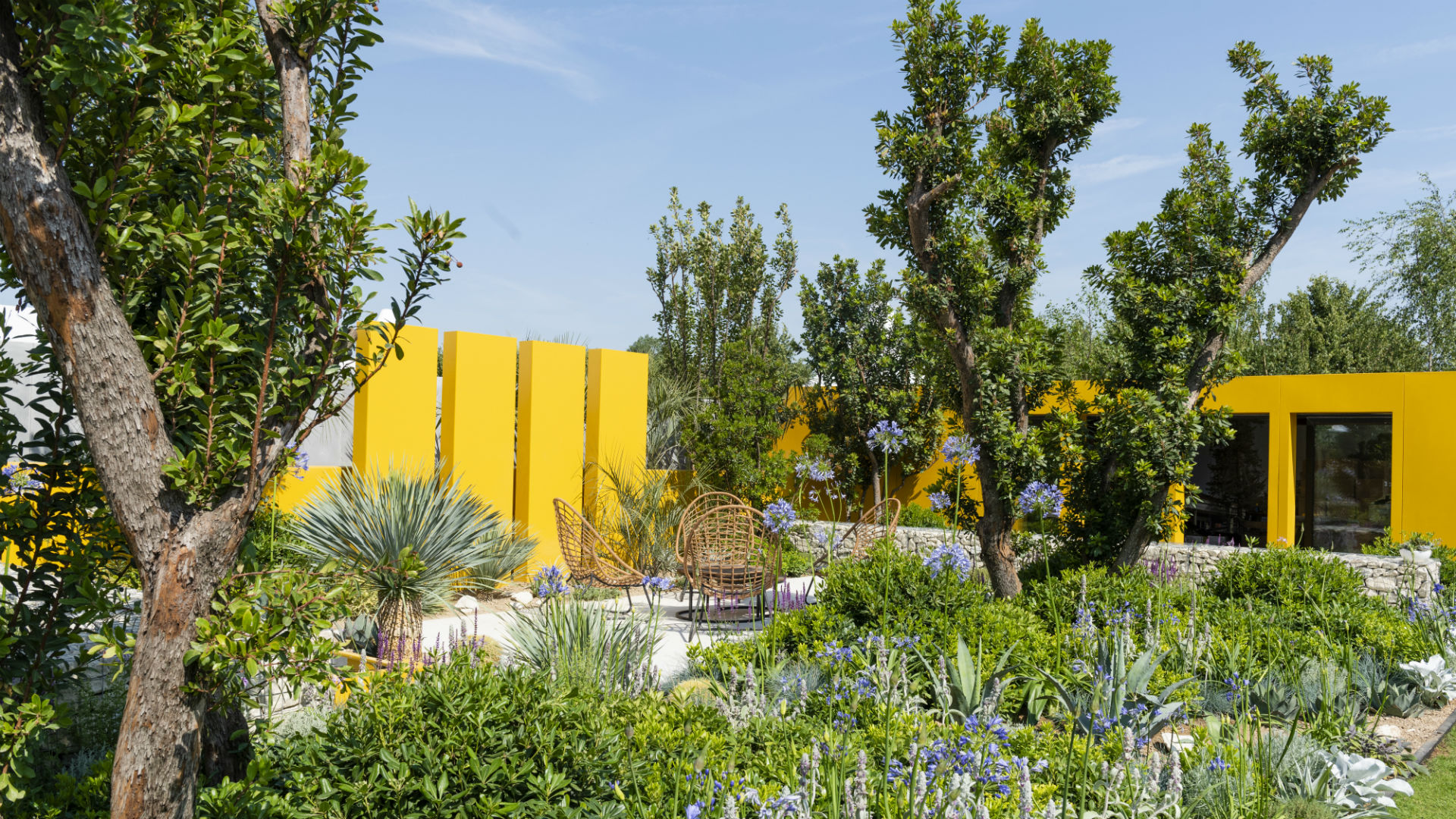 Rhs Hampton Court Palace Flower Show Santa Rita Living La Vida 120 Garden Designed By Alan Rudden Sponsored Wines