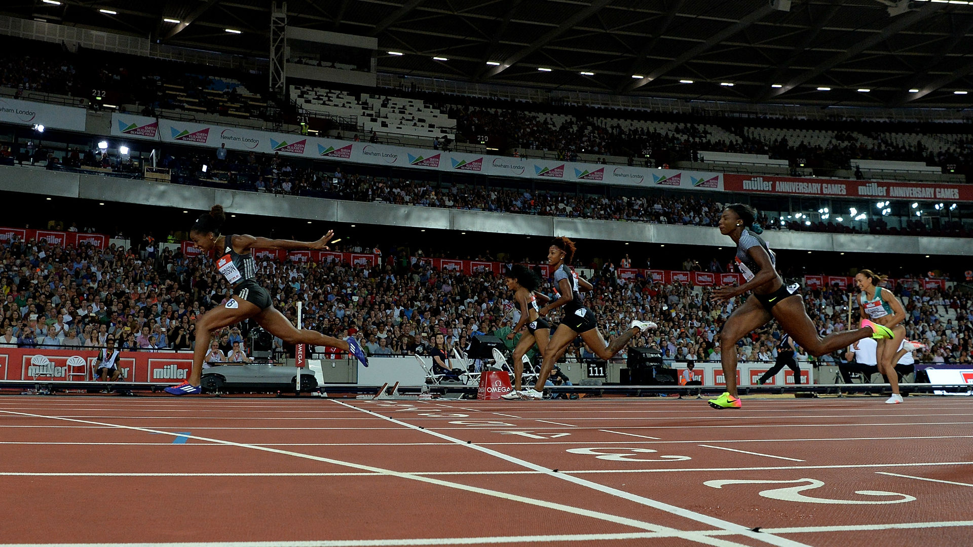 Kendra Harrison wins the 100m hurdles at the Muller Anniversary Games at the London Stadium, Queen Elizabeth Olympic Park. Image courtesy of Getty Images / British Athletics