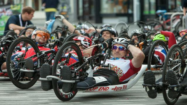 The handcyclist competitors at the start of the 2017 Prudential RideLondon Grand Prix. Image courtesy of Prudential RideLondon.