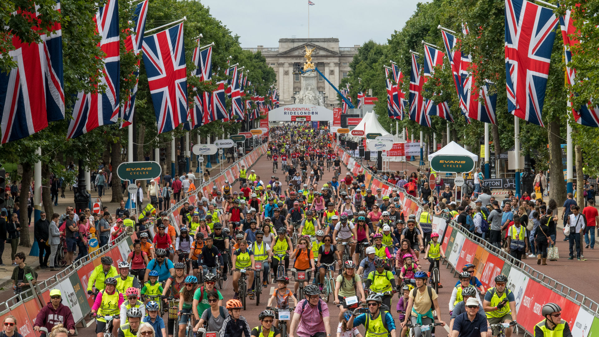 Riders in the Prudential RideLondon FreeCycle finish on The Mall. Image courtesy of Prudential RideLondon