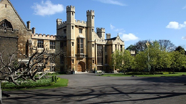 lambeth palace   historic site amp house   visitlondon