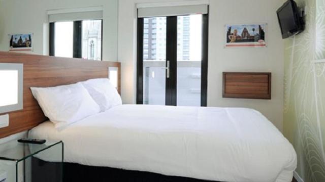 Tune Hotel Westminster - Hotel - visitlondon com