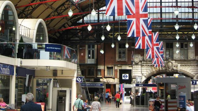 Victoria railway station london rail station visitlondon victoria railway station london reheart Choice Image