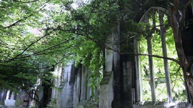 st dunstan in the east - garden