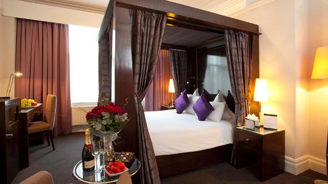 The shaftesbury premier london piccadilly hotel hotel for Cool boutique hotels london