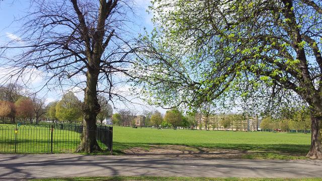 Clissold Park Park