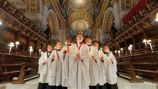 Saint Barts Annual Christmas Singing Of Christmas Carols 2020 Top 11 Christmas carols and concerts   Christmas   visitlondon.com