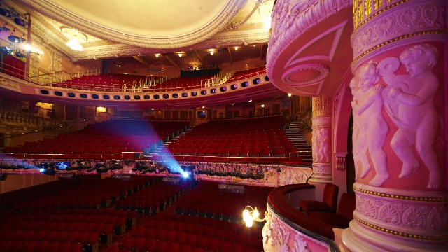 Access Bed Cover >> Shaftesbury Theatre - Theatre - visitlondon.com