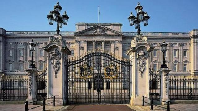 Risultati immagini per buckingham palace