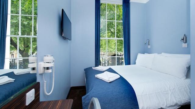 angus hotel hotel. Black Bedroom Furniture Sets. Home Design Ideas