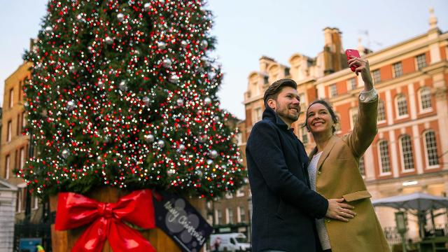 Covent Garden Christmas Lights Christmas Visitlondon Com