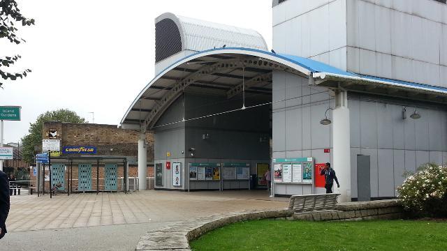 Island Gardens Dlr Station Dlr Station Visitlondon Com