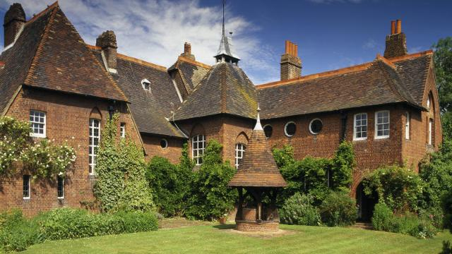 Captivating National Trust: Red House