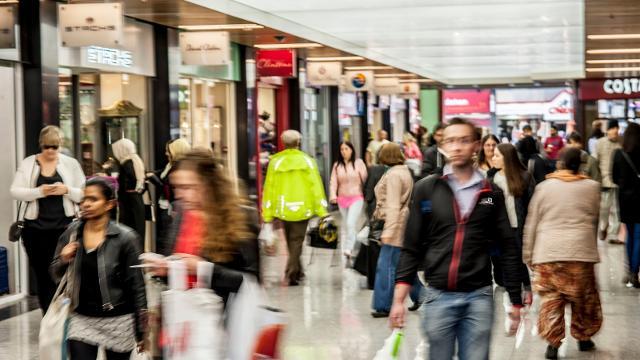 Risultati immagini per shopping