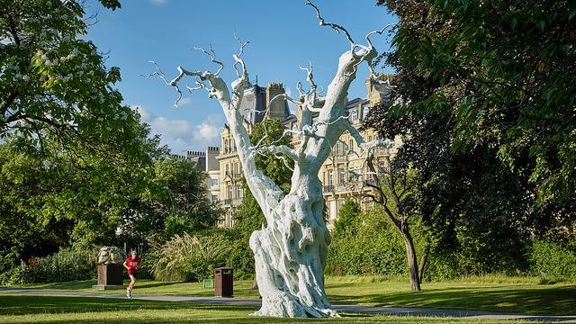 Frieze Sculpture 2017 In Regent S Park Art Fair