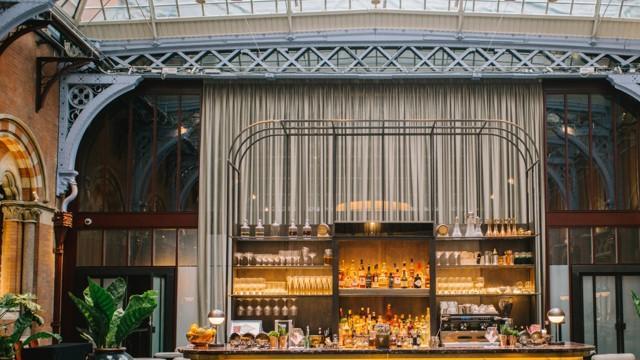 The Hansom St Pancras Renaissance Hotel London Bar Visitlondon Com